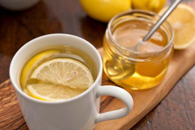 गुनगुने पानी में शहद और नींबू के 10 फायदे Benefits of Honey Lemon Warm Water