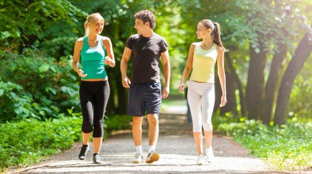 फिट रहने के लिए बेहद जरुरी है वॉकिंग Walking Importance For Fitness in Hindi